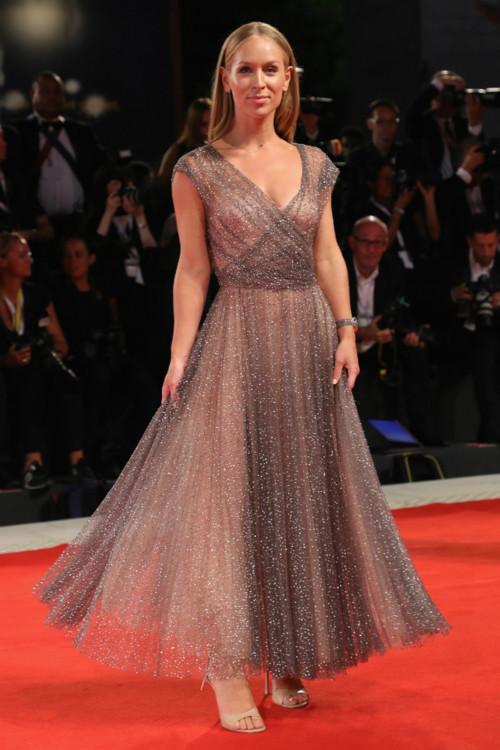 Карин Олсон в Christian Dior