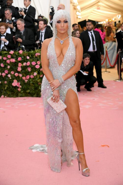 Дженифер Лопес в Versace