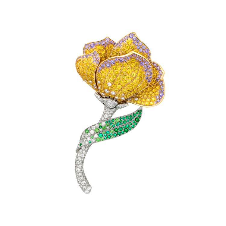Желтое и белое золото, бриллианты, желтые и розово-лиловые сапфиры, изумруды, гранаты, оникс
