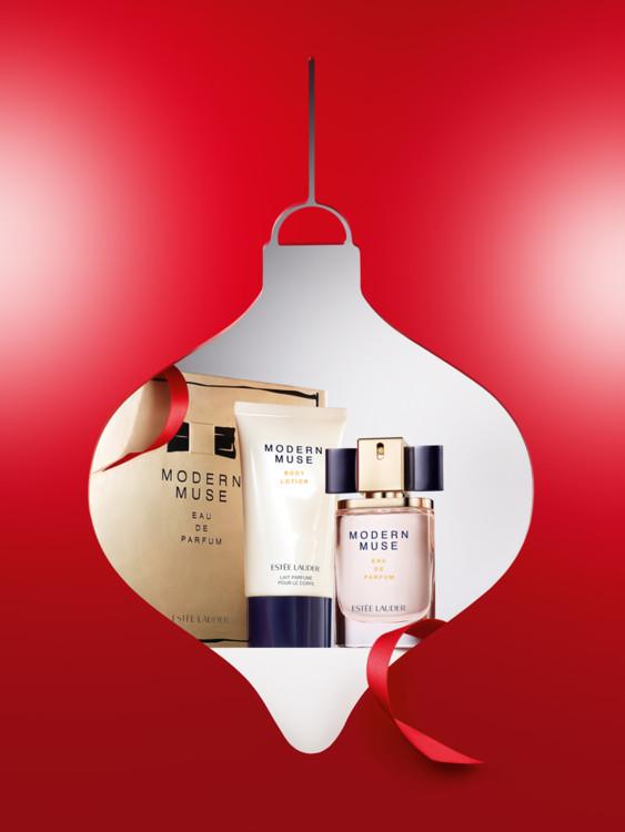 Рождественский набор Modern Muse: парфюмированная вода и лосьон для тела, все - Estēe  Lauder