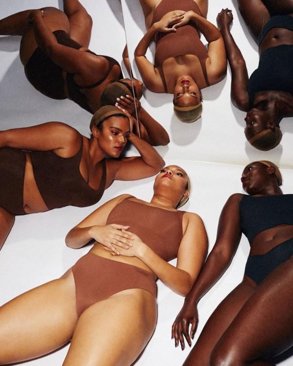Ким Кардашьян в рекламной кампании Skims