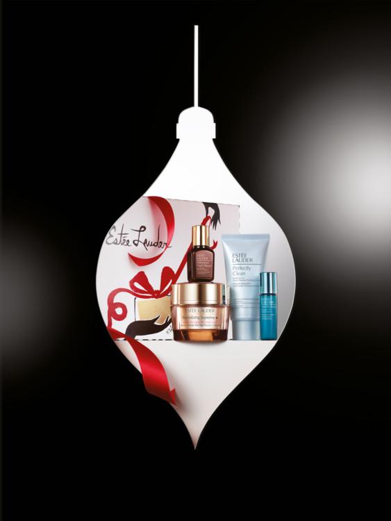 Подарочный набор для ухода за кожей Anti-Wrinkle Essentials: крем для сохранения молодости кожи, обогащенный фитоклетками Revitalizing Supreme, универсальный восстанавливающий комплекс II (ANR), моделирующая сыворотка New Dimension, средство 2-в-1 Perfect