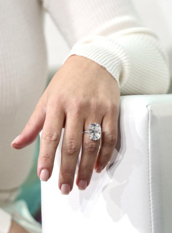 Обручальное кольцо Ким Кардашьян Lorraine Schwartz с 15-каратным бриллиантом