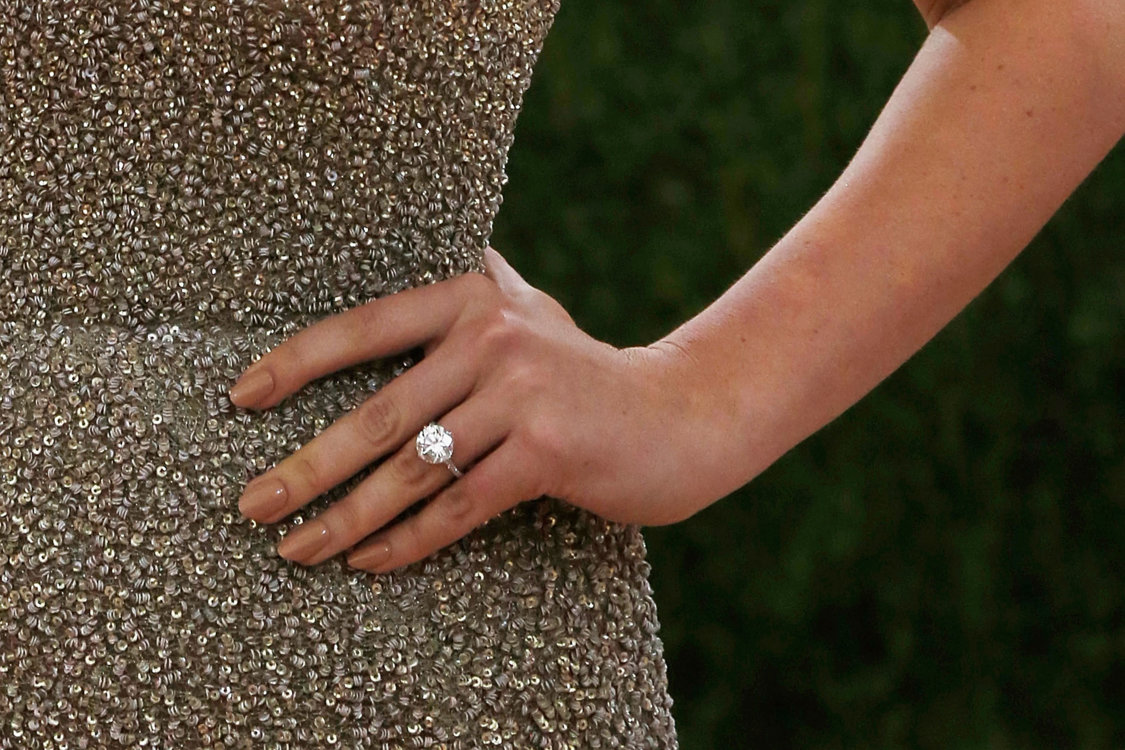Обручальное кольцо Кейт Аптон