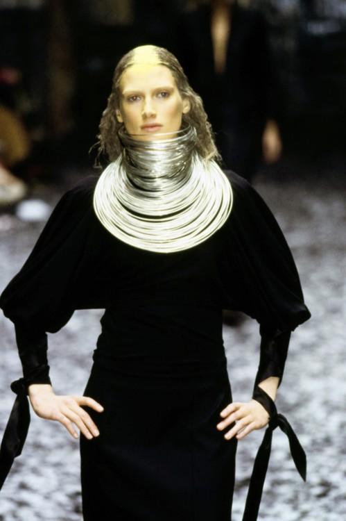 Alexander McQueen осень 2000