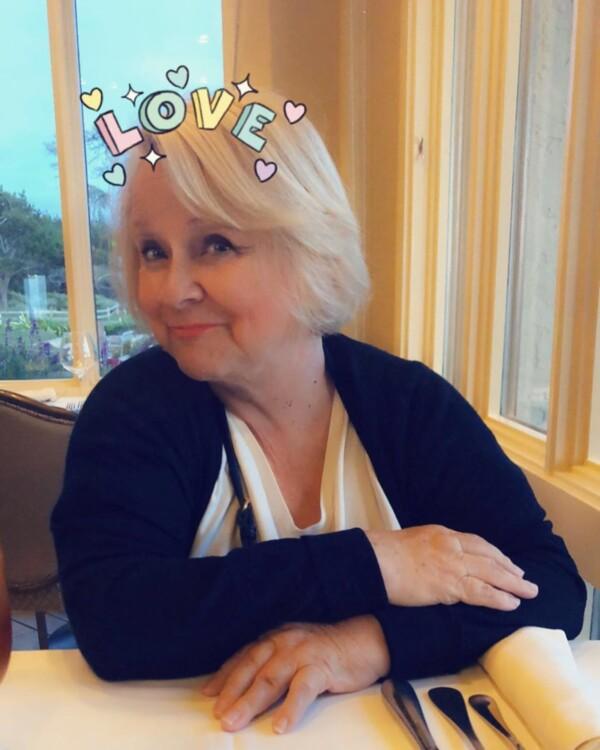Різ Візерспун поділилася знімком матері