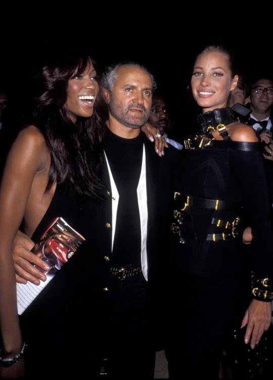 Наоми Кэмпбелл, Джанни Версаче и Кристи Тарлингтон, Rock N'Rule Gala, сентябрь 1992 года