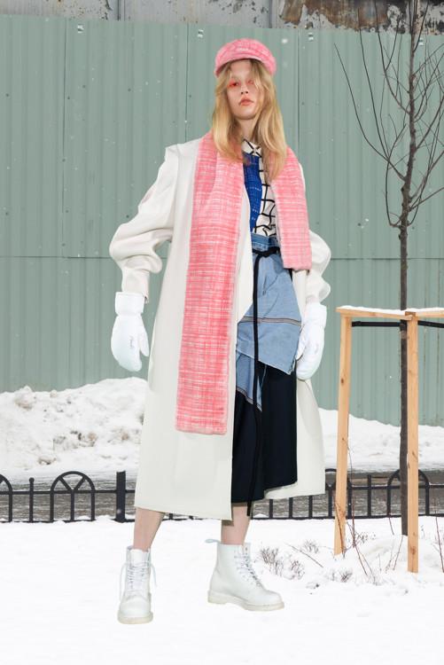 Пальто, блуза Litkovskaya, юбка LL_by Litkovskaya, шарф и кепка Blood&Honey, перчатки Roeckl, ботинки Dr. Martens