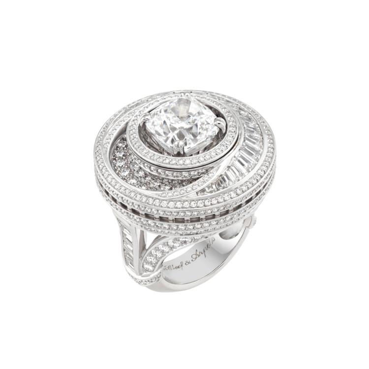 Белое золото, бриллианты, оникс, бриллиант 5,06 карат