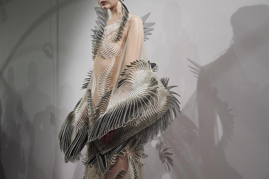 Iris Van Herpen весна-лето 2020