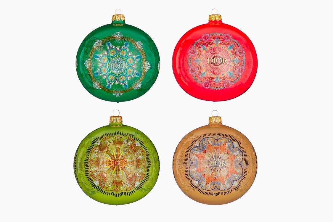 Набор стеклянных шаров Dior