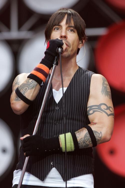 """На фестивале Live Earth (""""Живая Планета Земля"""") в Лондоне в 2007 году на стадионе Уэмбли. Live Earth – серия концертов, которые шли 24 часа на 7 континентах, объединили более 100 музыкантов и 2 миллиарда слушателей"""