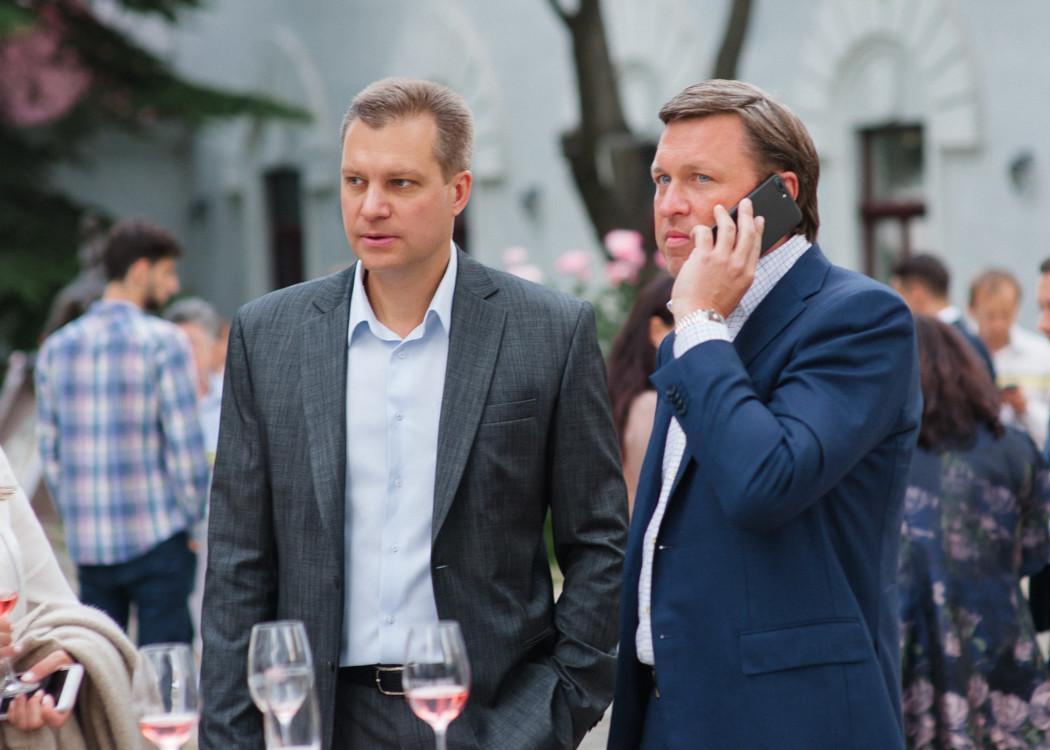 Вадим Бондарь (справа)