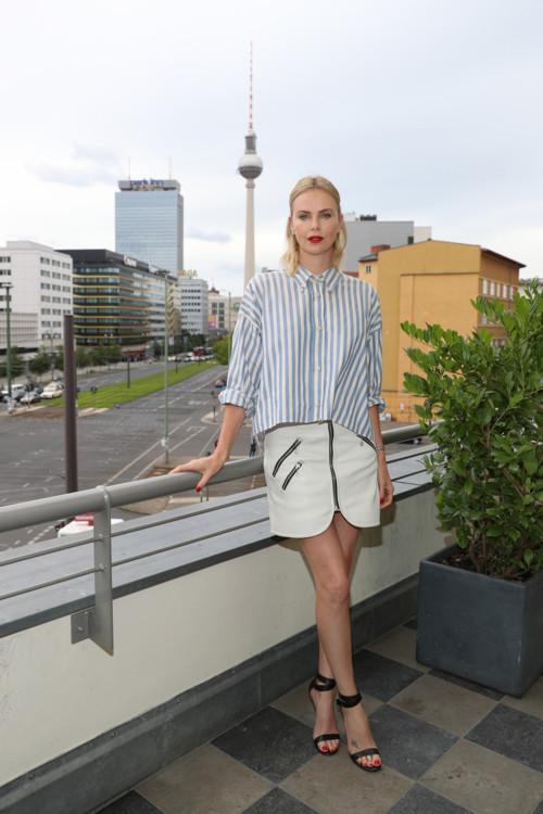 На презентации фильма «Взрывная блондинка» в Берлине
