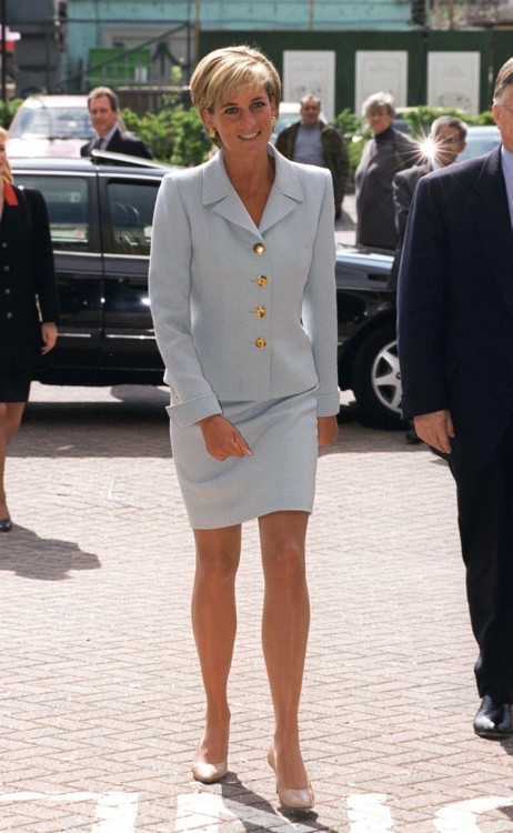 Принцесса Диана в костюме Versace