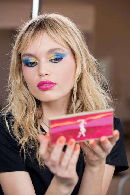 Cтаз Линдес, посланница YSL Beauty, с макияжем из весенней коллекции макияжа марки