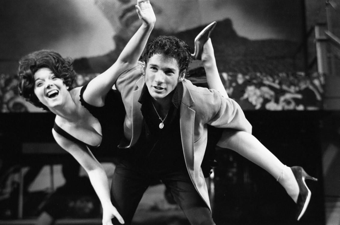 Ричард Гир и Стейси Грегг во время репетиции мюзикла «Бриолин», 1973