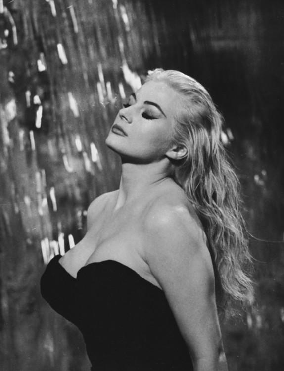 Анита Экберг, 1960