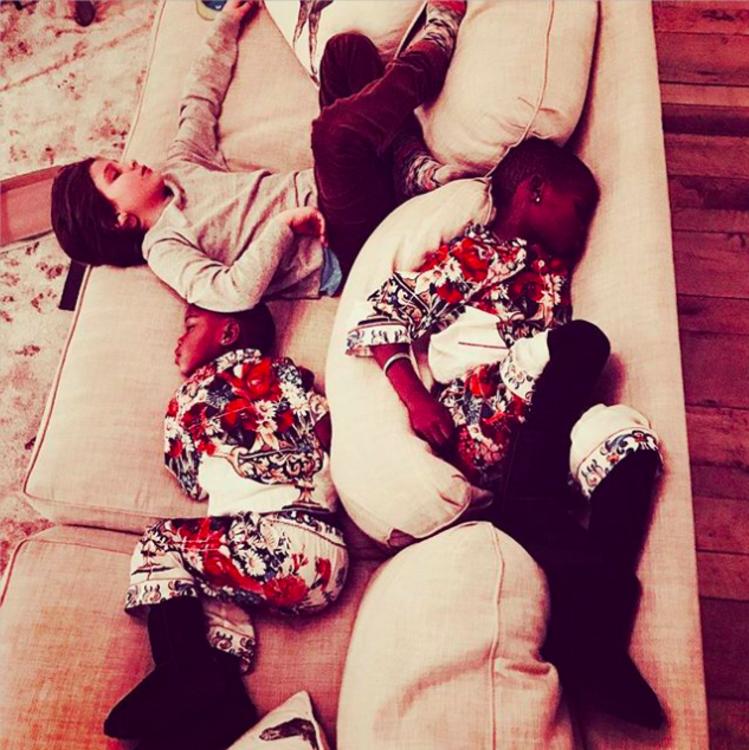 Дети Мадонны уснули до наступления Рождества