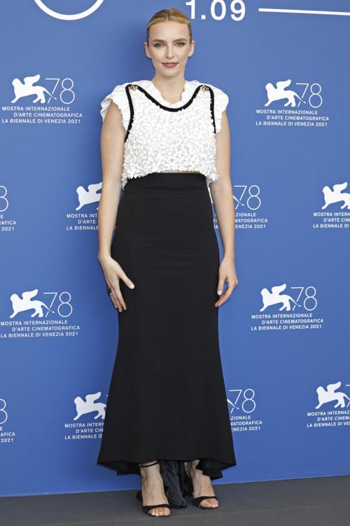 Джоди Комер в Louis Vuitton