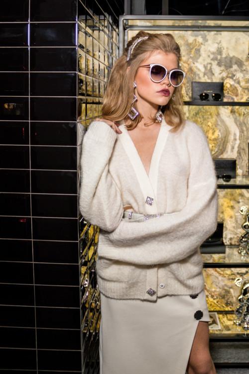 Одежда и аксессуары: Alessandra Rich, David Koma, Linda Farrow