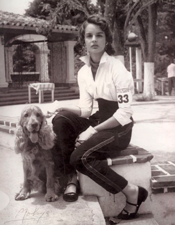 В 13 лет бабушка Каролины привезла ее в Париж на шоу Balenciaga