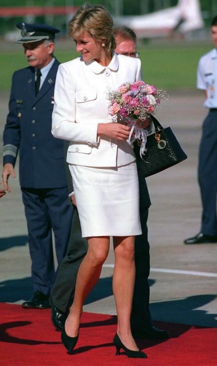 Принцесса Диана в аэропорту Буэнос-Айреса