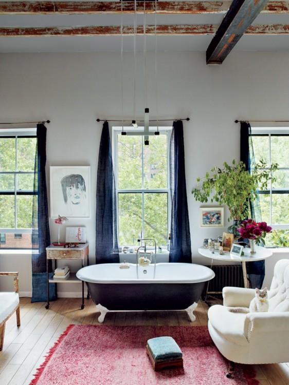 Ванная комната редактора Vogue Миранды Брукс в Бруклине. Фото: Франсуа Алар, Vogue, 2013