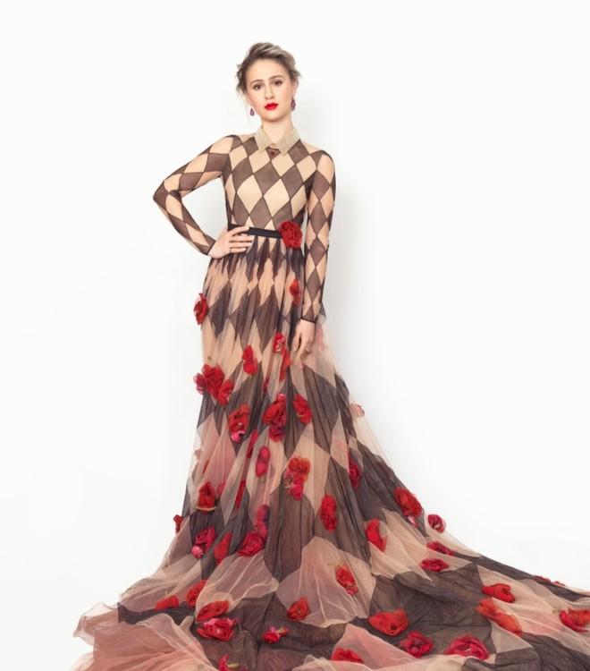 Мария Бакалова в Dior