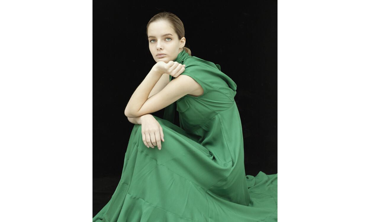 На фото: сукня Golden Goose