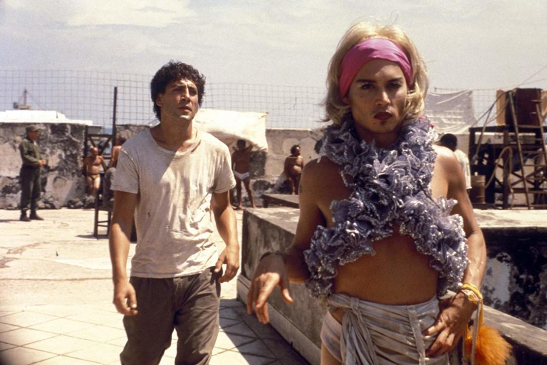 Гав'єр Бардем і Джонні Депп у фільмі «Поки не настала ніч», 2000