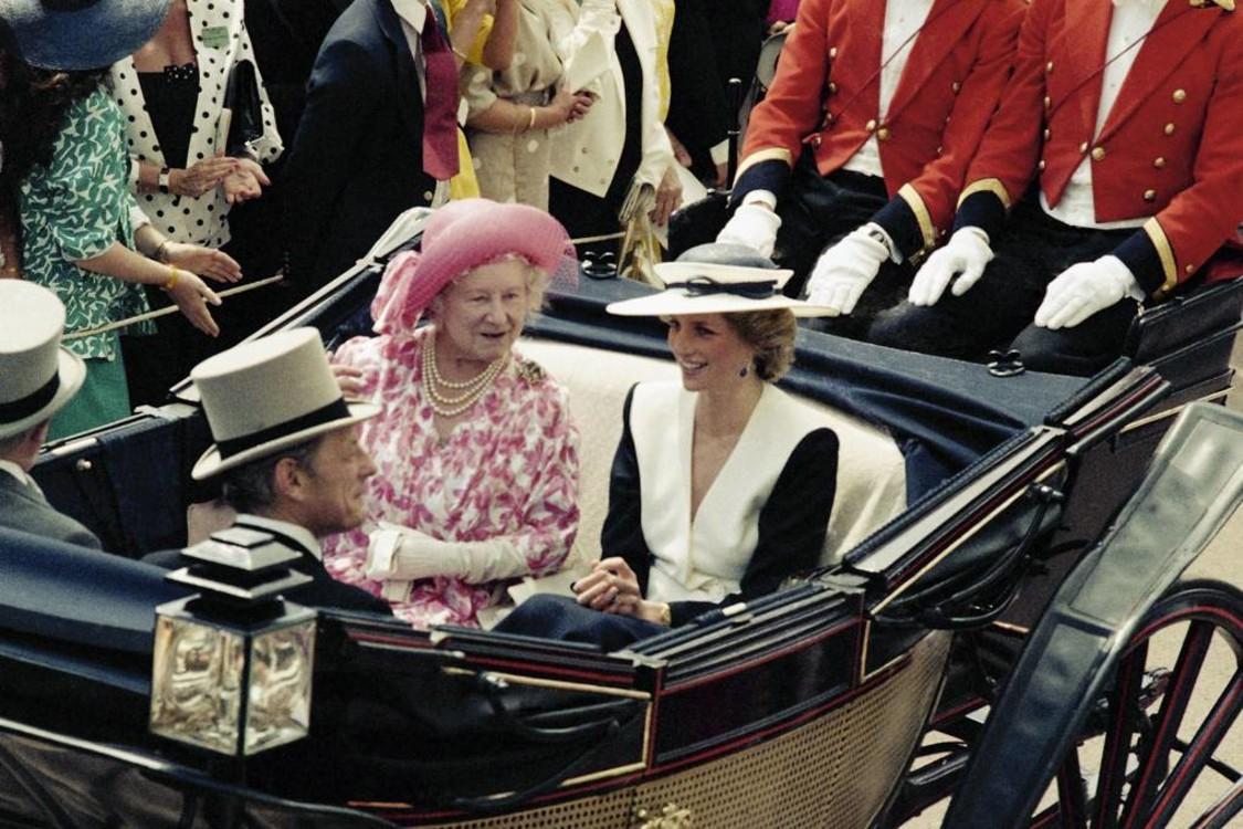 Єлизавета Боуз-Лайон і принцеса Діана, 1992 рік