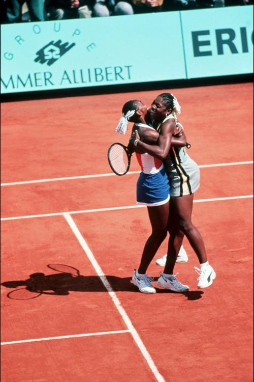 Вінус и Серена Уильямс на Открытом чемпионате Франции по теннису