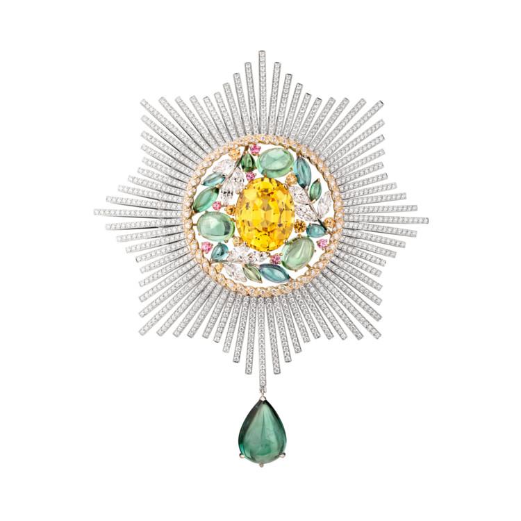 Брошь Blé Maria, белое и желтое золото, сапфиры, гранаты, турмалины, бриллианты