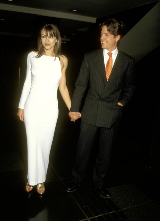 Элизабет Херли и Хью Грант на премьере фильма «Крайние меры», 1996
