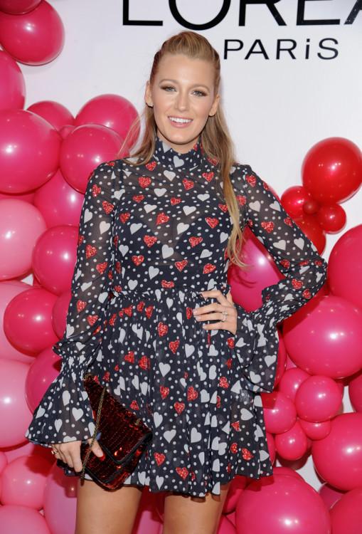 Блейк Лайвли в платье SemSem на вечеринке ко Дню Св.Валентина, 2017 год