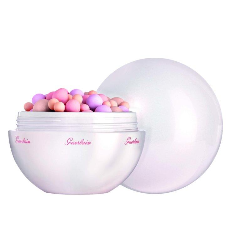 Пудра в шариках Météorites Happy Glow Pearls , лимитированный выпуск, Guerlain. Конечно, белых акцентов она не создаст, но жемчужное сияние скулам обеспечит