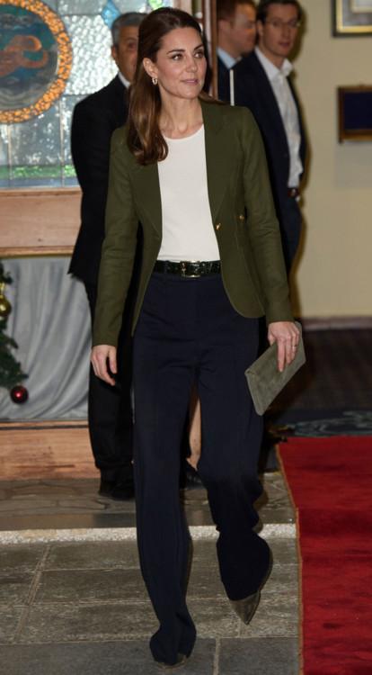 Кейт Миддлтон в блейзере Smythe, декабрь 2018