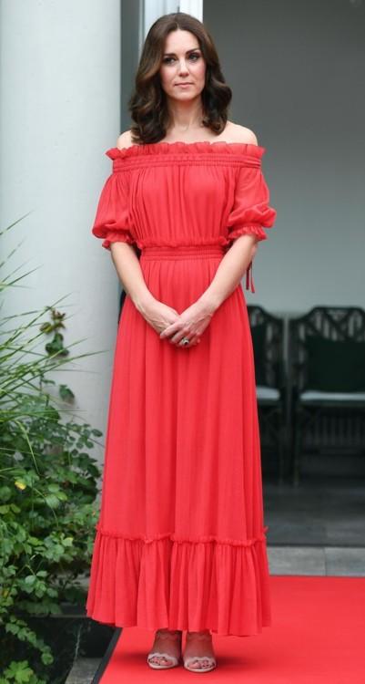 Кейт Миддлтон в Alexander McQueen в Берлине (июнь, 2017)