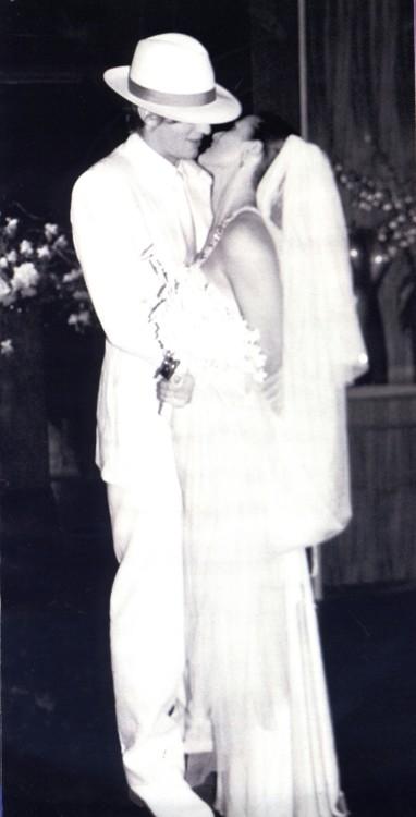 Деми Мур в платье от Alber Elbaz
