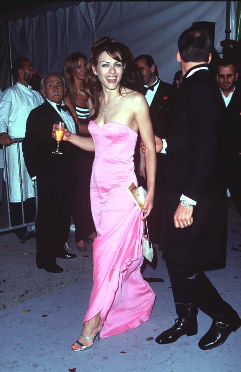 Элизабет Херли в Каннах, 1998