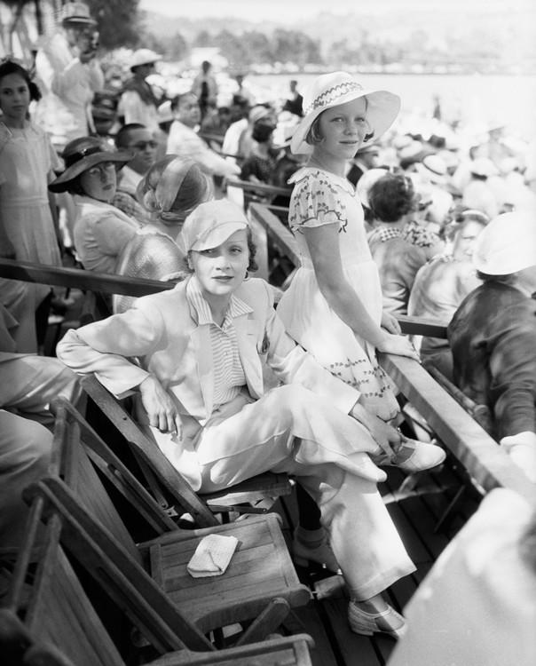 Марлен Дітріх і її донька Марія Зібер на матчі з поло, 1934