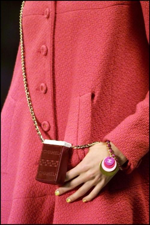 Chanel осень-зима 2001/2002