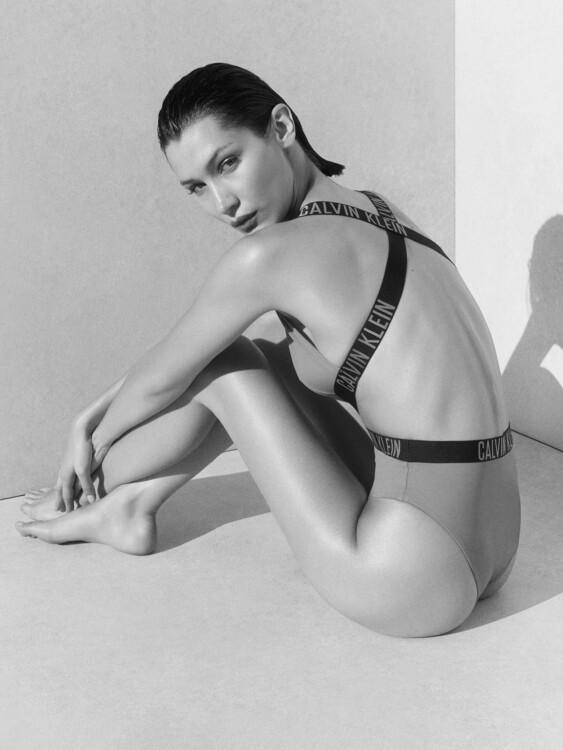 Calvin Klein Swimwear 2020 Bella Hadid фото