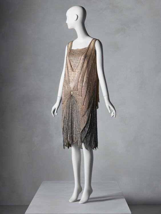 Вечернее платье, наверняка французское, ок. 1925-28; подарок Сэнди Шрайер