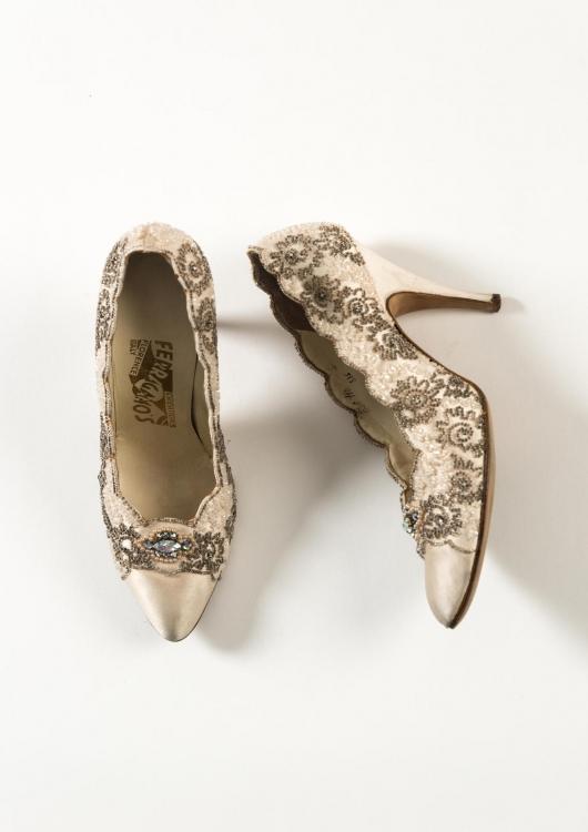 Кремовые шелковые туфли, сатин, бриллианты. Ferragamo, 1950