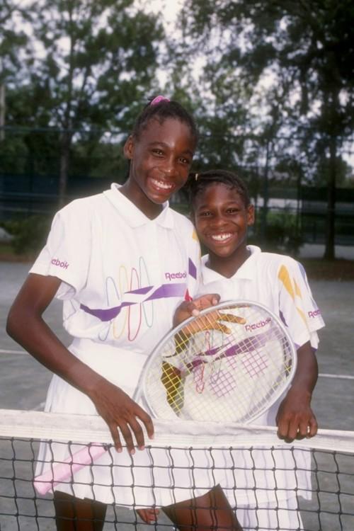 Винус Уильямс и Серена Уильямс на теннисном корте во Флориде в 1992 году