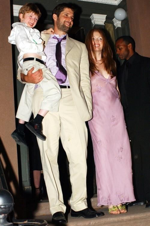 Джулианна Мур в розовом платье Prada