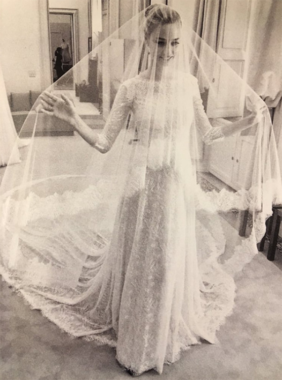 Беатрис Борромео в платье Armani Prive