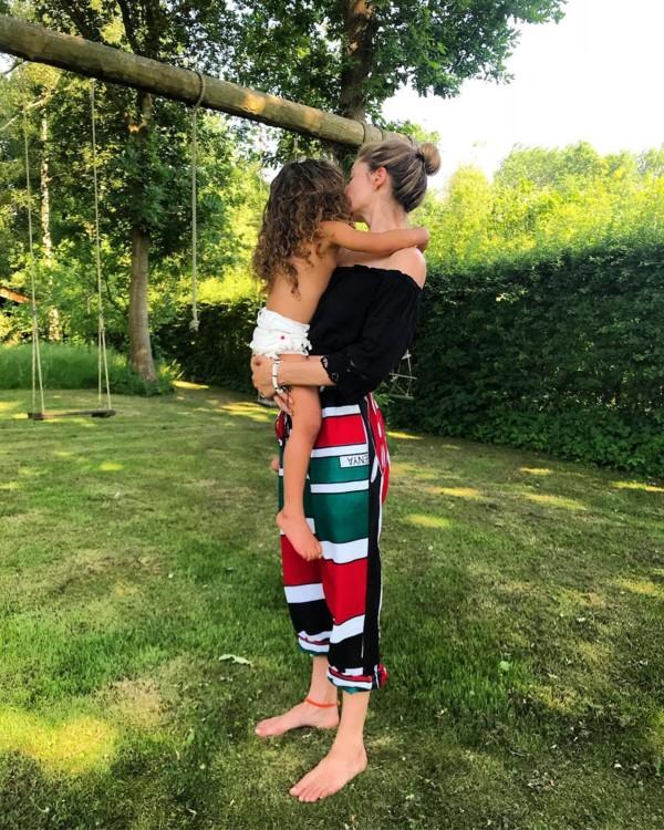 Даутцен Крез с дочерью Милленой (фото: Instagram @doutzen)